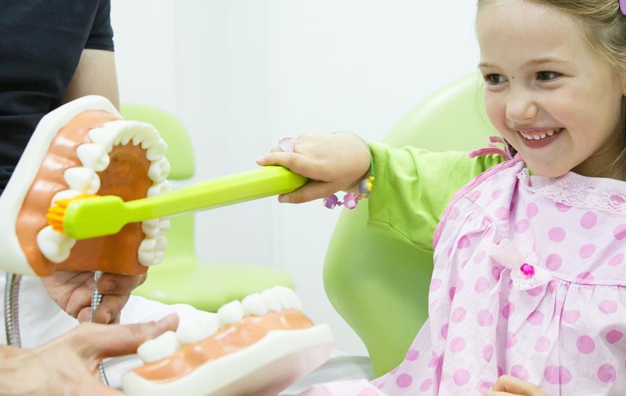 Farklı Diş Fırçalama Teknikleri - Dentasey Ağız ve Diş Sağlığı Polikliniği